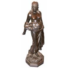 """Скульптура девушки """"Юдифь"""" 6B28"""