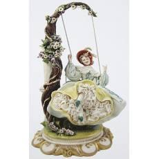"Статуэтка ""Дама на качелях"" Porcellane Principe 1045/PP"