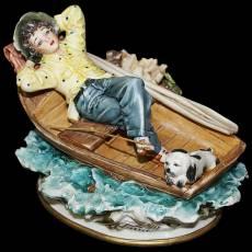 """Статуэтка """"Мальчик на лодке"""" La Medea 581/MED"""