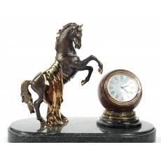 "Часы ""Конь""  RV3726CG"