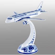 """Гжель скульптура """"Самолет Sukhoi superjet 100"""" Авторские работы RV0033297CG"""