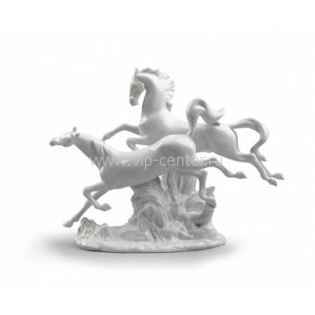 """Статуэтка """"Лошади в галопе"""" Lladro 01008682"""